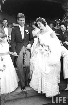 Wedding of Senator John F. Kennedy and Jacqueline Bouvier at Hammersmith Farm, Newport, Rhode Island, Date: 12 September 1953,♡❤❤❤♡❤♡❤❤❤♡  http://www.jfklibrary.org/Asset-Viewer/f4YLYWpFV0GnWvO42tvV6g.aspx http://en.wikipedia.org/wiki/Hammersmith_Farm http://en.wikipedia.org/wiki/Wedding_dress_of_Jacqueline_Bouvier