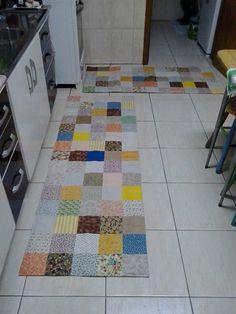 Mais uma encomenda desafiadora!   A cliente é super discreta, tem uma cozinha branca e pediu dois tapetes bem grandes. E me deixou escolher!...
