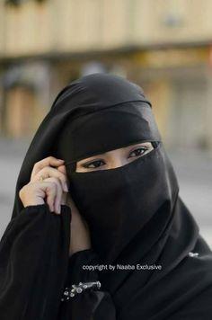 Niqab Eyes, Hijab Niqab, Muslim Hijab, Arab Girls Hijab, Muslim Girls, Hijabi Girl, Girl Hijab, Burqa Designs, Muslim Couple Photography
