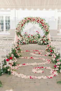 Tent wedding ceremony decorations with floral round arch and aisle decor - Peony Park Photography | One Thousand Roses for the most Romantic Summer Wedding Colors | Fairytale Wedding Inspo with Every Shade of Pink - Belle The Magazine Tent Wedding, Wedding Ceremony Decorations, Wedding Centerpieces, Dream Wedding, Summer Wedding Colors, Summer Weddings, Floral Wedding, Wedding Flowers, Wedding Styles