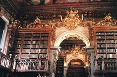 King John's Library (1537) Coimbra  University,Portugal+Bats in the library link http://www.twitlonger.com/show/bnbo7t