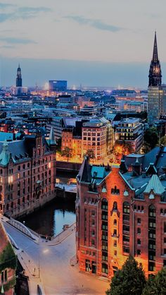 iPhone and Android Wallpapers: Stranger Things Wallpaper for iPhone and Android Abendstimmung Speicherstadt – Holidays Around The World, Travel Around The World, Around The Worlds, Europe Destinations, Places To Travel, Places To Go, Hamburg Germany, City Aesthetic, Future Travel