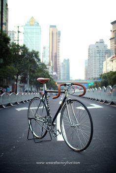 Fixie Black in Shangai