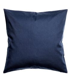 Moss green. Cushion cover in cotton twill with concealed zip.
