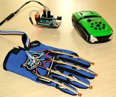 Wearable Wireless Gesture Control with PHIRO Pro + Arduino + Pocket Code…