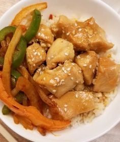 Get your Chinese Food fix with this Instant Pot Orange Chicken recipe. 21 Day Fix Orange Chicken with container counts. Crockpot Recipes, Soup Recipes, Chicken Recipes, Dinner Recipes, Cooking Recipes, Healthy Recipes, Asian Recipes, Convert Recipe To Instant Pot, Chicken 21 Day Fix