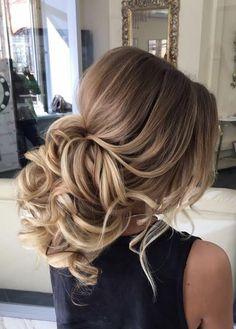 Featured Hairstyle: Elstile (El Style); www.elstile.ru; Wedding hairstyle idea. #WeddingHairstyles #peinadosfaciles