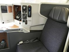 flight review american airlines business class london to miami B777-300 seat