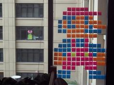 After a college student decorated his dorm room window with a Post-It note Mario, his neighbor across the courtyard responded by creating a Post-It note Piranha Plant Super Mario Bros, Funny Cute, Hilarious, Hate My Job, Amazing Art, Awesome, Beach Themes, Nerdy, Haha