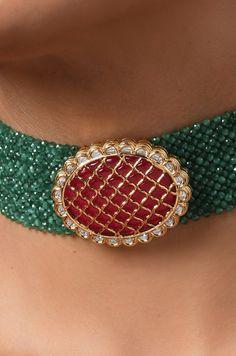 Latest Necklace Design, Pearl Necklace Designs, Pearl Choker Necklace, Beaded Jewelry Designs, Bead Jewellery, Necklace Set, Jewel Choker, Choker Jewelry, Pendant Jewelry