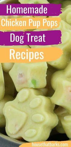 Summer Dog Treats, Frozen Dog Treats, Homemade Dog Cookies, Homemade Dog Food, Easy Dog Treat Recipes, Dog Food Recipes, Frozen Pumpkin, Make Dog Food, Peanut Butter Dog Treats