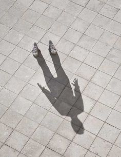 影から存在意義を感じられるアート作品「Shadow Photography」
