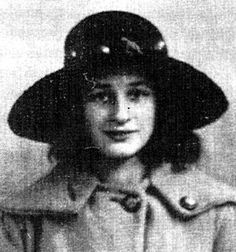 Photo:Daisy at 14 years old in 1923