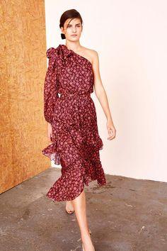 Get inspired and discover Ulla Johnson trunkshow! Shop the latest Ulla Johnson collection at Moda Operandi. Fashion 2017, Fashion Show, Womens Fashion, Fashion Trends, Luxury Fashion, Outfits Tipps, Rehearsal Dinner Dresses, Light Dress, Ulla Johnson