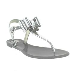 2bc8fd7330e2 Amazon.com  BCBGeneration Women s Demee Thong Sandal  Shoes