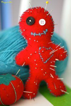 Projectville: Craft, DIY, Art, and Beauty: Voodoo Doll Pincushion DIY