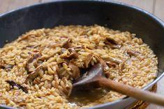 Καστανό ρύζι με μανιτάρια και κοτόπουλο