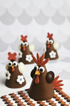 Chocolate Chickens Easter Chocolate, Chocolate Bark, Homemade Chocolate, Chocolate Lovers, Easter Candy, Easter Eggs, Chocolate Showpiece, Easter Egg Designs, Easter Cookies