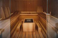Sauna with an original, contemporary design and symmetrical lines, whose standout feature is its light and airy feeling. Discover the Air sauna Steam Bath, Steam Room, Luxury Spa, Luxury Bath, Design Sauna, Bio Sauna, Traditional Saunas, Finnish Sauna, Aspen Wood
