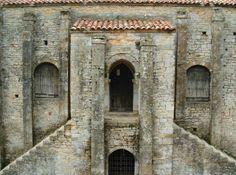 santa maria naranco,oviedo prerromanico,oviedo,prerromanico,santa maria del naranco asturias, prerromanico asturiano,arte,cultura rutas asturiano