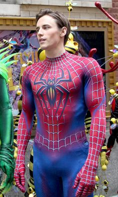 Spiderman Cosplay, Spiderman Suits, Superhero Suits, Sport Outfits, Cool Outfits, Men In Tight Pants, Lycra Men, Young Cute Boys, Maid Outfit