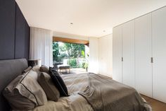 Bedroom escapes - Manfredini McCrae + Jansen Architects Manly