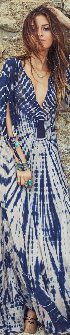↣✧❂✧ TatiTati Style ✧❂✧↢ . See more innovative designs! http://www.tatianaandrade.com