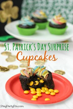St. Patrick's Day pot of gold cupcakes from playpartypin.com, topped with rainbow frosting and filled with gold coins! Such a cute St. Patrick's Day dessert idea.