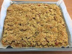 Liian hyvää: Pellillinen kauratosca-raparperipiirakkaa Sweet Pie, Sweet Recipes, Macaroni And Cheese, Food To Make, Sweet Tooth, Food And Drink, Sweets, Ethnic Recipes, Desserts