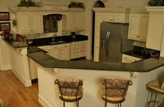 White & Black House Projects, Kitchens, Kitchen Cabinets, Black, Home Decor, Decoration Home, Black People, Room Decor, Cabinets