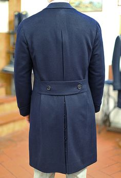 "sartoria-tofani: "" Tofani Napoli overcoat in Loro Piana cashmere coat "" Perfect back"