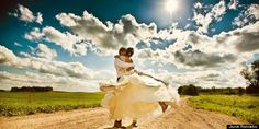25 best wedding photos of 2013... I can only hope mine will be half as beautiful as these :)