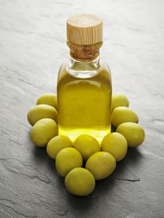 olive oil and green oilves
