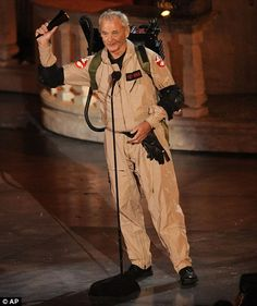 Is Bill Murray getting ready to fire up his Proton Pack for Ghostbusters He appeared in character as Peter Venkman at the 2010 Spike TV Scream Awards. Ghostbusters Outfit, Bill Murray Ghostbusters, Female Ghostbusters, One Punch Man Webcomic, Apocalypse Survivor, Proton Pack, Black Clover Manga, Spike Tv, Old Movie Posters