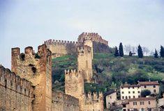 Soave, il borgo scaligero del castello fortificato e del vino nobile - Foto - SiViaggia