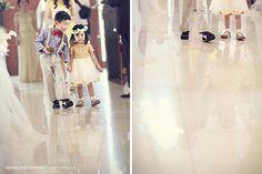 Wira & Meliana, por axioo. E que crianças estilosas! =D #casamento #criancas