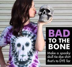 Here are some easy-to-make last minute projects tro make for Halloween! Halloween is less than two weeks away, but in our crafty world that means there is still PLENTY of Make A Tie, How To Tie Dye, Tie Dye Tips, Diy Tie Dye Shirts, Diy Shirt, Diy Tank, Shibori, Ty Dye, Tie Dye Crafts