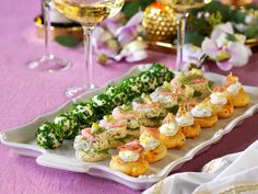 Yummy Snacks, Snack Recipes, Dessert Recipes, Finger Food Appetizers, Finger Foods, Tapas, Swedish Recipes, Party Food And Drinks, Small Meals