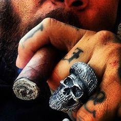 Hell Yeah skull ring available today !! Get Christmas and New Year 20% discount plus free shipping worldwide by simply applied the discount code of WORKHARDHARDWORK at www.fourspeedmetalwerks.bigcartel.com More info at info@fourspeedweb.com