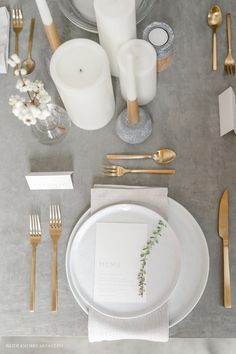 a minimalist wedding table setting with a grey tablecloth, gold cutlery and whit., minimalist wedding table setting with a grey tablecloth, gold cutlery and white candles looks ethereal. White Table Settings, Wedding Table Settings, Setting Table, Place Settings, Scandinavian Wedding, Minimalist Scandinavian, Scandinavian Style, Grey Tablecloths, White Tablecloth