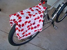 Salty Peanut Stitchery: Bicycle Panniers Tutorial-if this doesn't get me back on my bike, I don't know what will! :-)