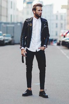 7 Timeless Outfit Formulas That Will Never Go Out Of Style Cool Outfits, Casual Outfits, Fashion Outfits, Black Leather Jacket Outfit, Mode Rock, Look Rockabilly, Best Street Style, La Mode Masculine, Mein Style