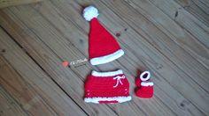 Conjunto de Natal Ela e Ele são 4 peças, Touca Natal + Saia + Tapa fraldas+ bota natal.  Para meninos e meninas.