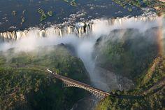 Cataratas Victoria, en la frontera de Zambia y Zimbabue