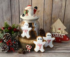 Sweet gingerbread decorated for Christmas and Santa's jar Christmas Decorations, Christmas Ornaments, Holiday Decor, Mocca, Christmas Goodies, Gingerbread, Santa, Xmas, Sweet