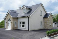 Donegal & Omagh Sandstone with Window Surrounds. House With Grey Windows, House With Porch, House Front, Bungalow Exterior, Bungalow Renovation, Bungalow House Design, Cranford House, House Designs Ireland, Dormer House