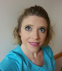 """Today's younique look  BB cream in """"bisque  Touch mineral powder in velour  contrasted with beachbody bronzer Splurge cream eyeshadow in Charming 3D+ Mascara Ambre lips using precision lip pencil in pompous and pristine  #bedazzleyourlashes #lovemyyounique #bigeyesdontcare  #pinklipsdontcare #whatsyourcolor"""