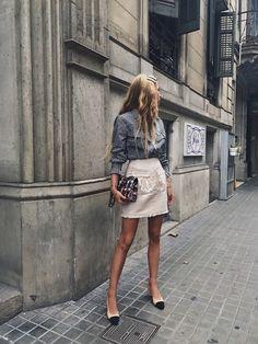 Street Style Spring See All The Best Looks Women's Summer Fashion, Look Fashion, Autumn Fashion, Fashion Outfits, Womens Fashion, Fashion Design, Fashion Trends, Feminine Fashion, Feminine Tomboy