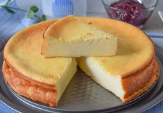 Today we are preparing an oven baked cheesecake, a delicious cake that stands out above all for its very creamy and fluffy texture and its sweet flavor, deliciosos Oven Baked, Sin Gluten, Cupcake Cookies, Cheesecakes, Yummy Cakes, Low Carb Recipes, Food And Drink, Cooking, Sweet