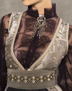 # fantasi tack # detaljer # transparent # band # band - Frisyrer til bunad - Frisyrer Folk Costume, Costumes, Style And Grace, My Style, Body Love, Business Outfits, Comfortable Outfits, Traditional Outfits, Fancy